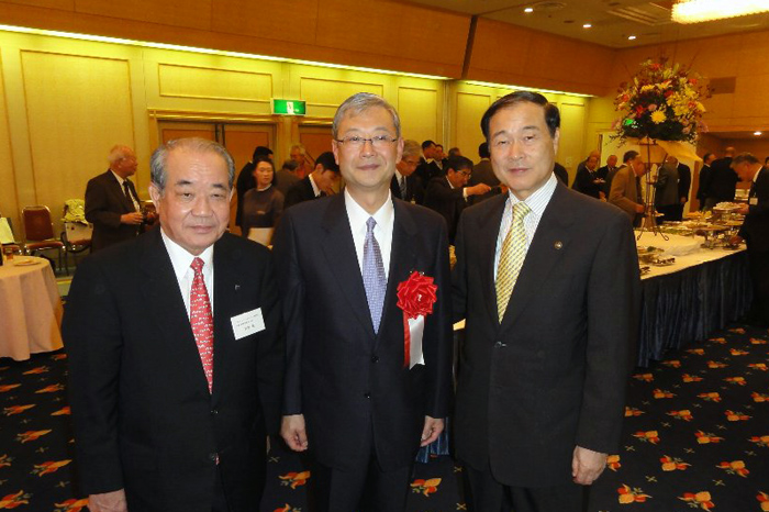 http://tamionet.com/blog/image/20111112-1_asahibeer.jpg