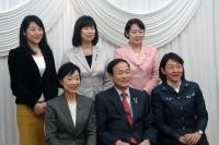 5名の女性市長と記念撮影
