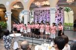 市長主催夕食会で「さくらさくら」の合唱